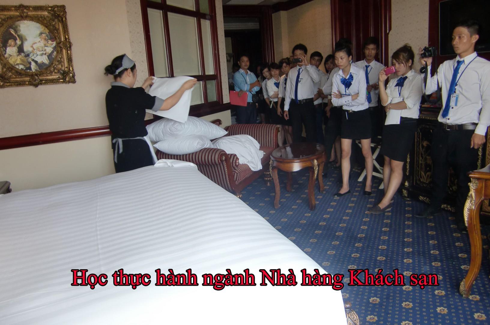 Chuẩn đầu ra ngành nghiệp vụ nhà hàng khách sạn